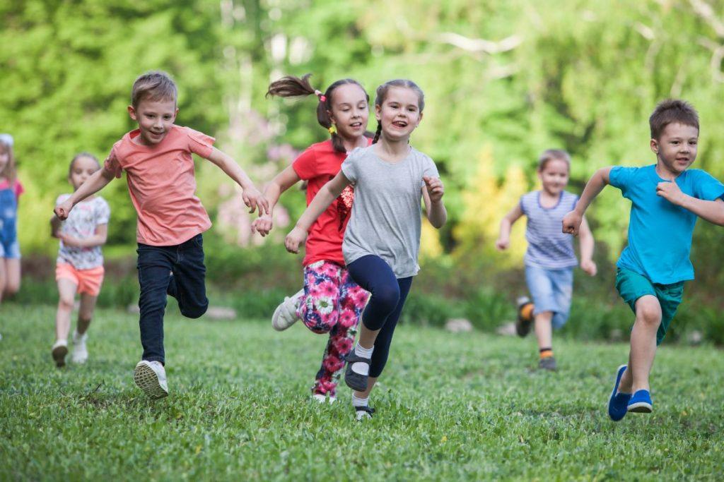 Kontakty z rówieśnikami a zdrowie dziecka